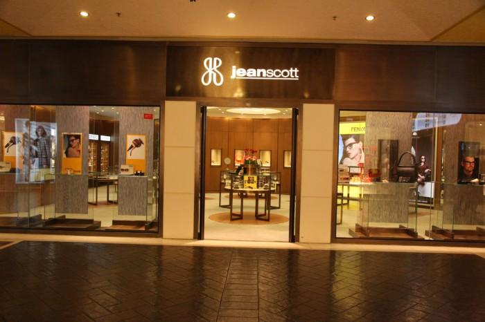 Jeanscott1_IMG_8679-w1800-h1000